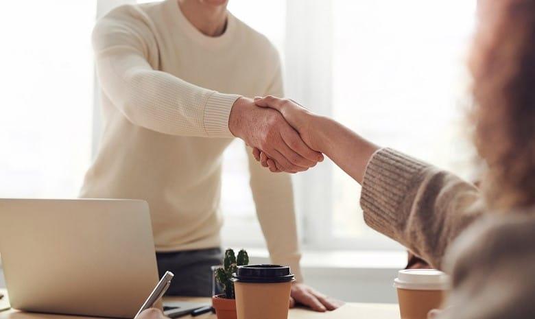 Erfolg als Freiberufler Beitragbild Kundenakquise